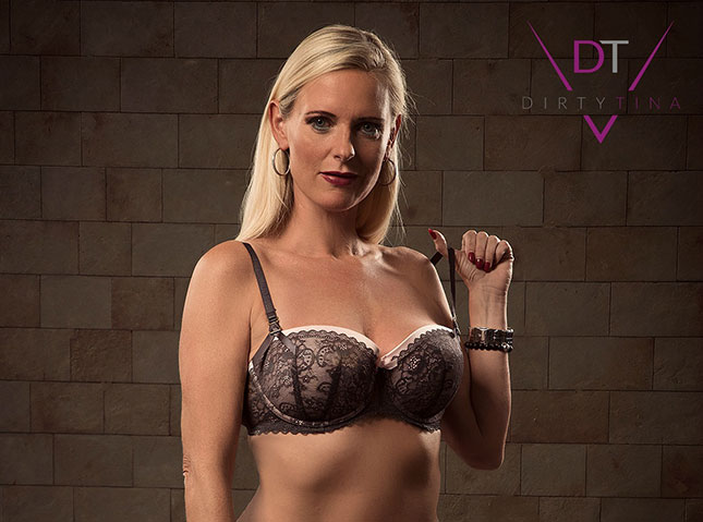 Dirty Tina in Dessous