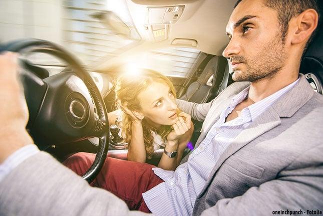 Sex während der Autofahrt ist verboten