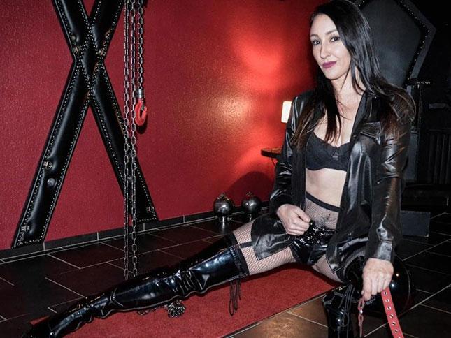 herrinsina Online-BDSM-Cam