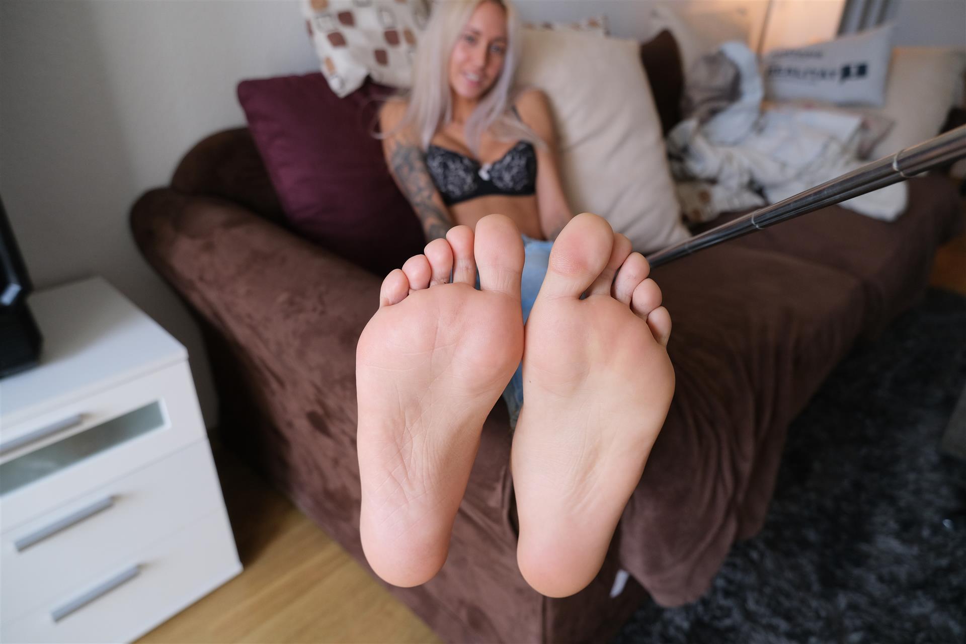 Fuß-Fetisch-Bild von SkinnyBitch99