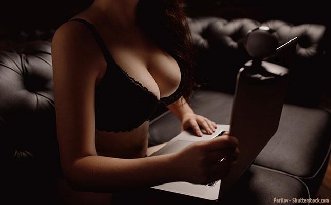 Virtuelle Online-Sex-Dates mit Escort Girls vor der Cam
